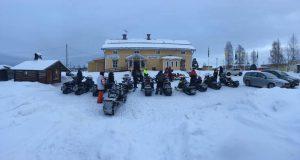 Snöskotrar på Särna Camping