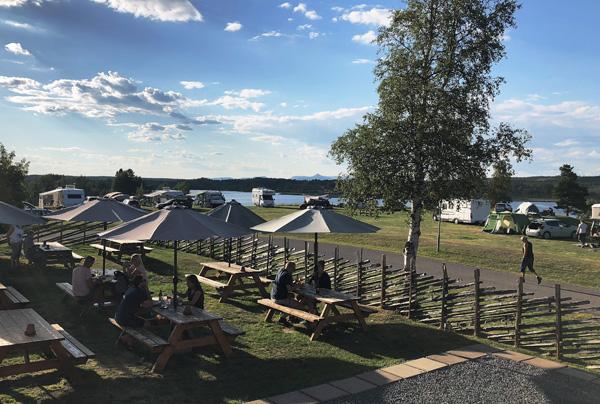Uteservering Lena´s Kök & Bar, Särna Camping